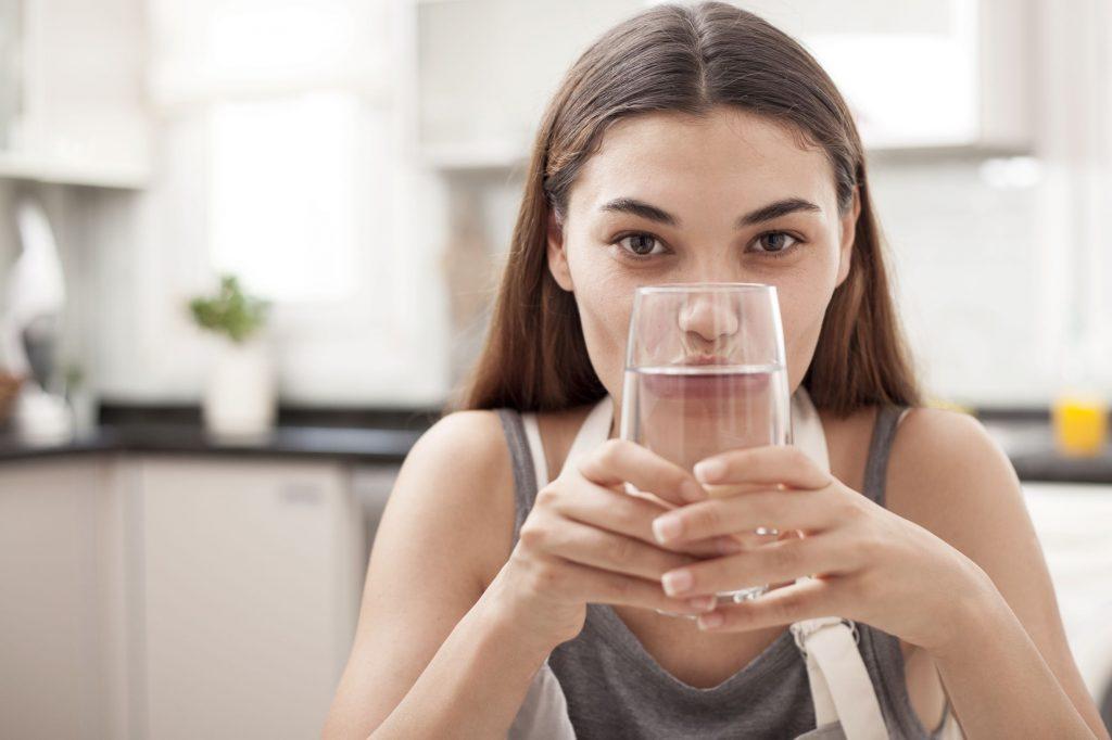 6 Benefits of Drinking Alkaline Water